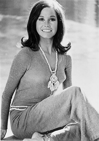 Mary Tyler Moore represented unmarried women