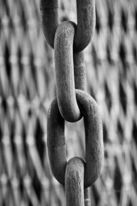 Image of metal chain meant to symbolize the shackling of incarcerated pregnant women