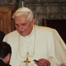 487px-Pope_Benedictus_XVI_january,20_2006_(14)