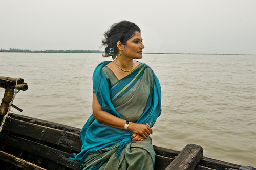 Bangladeshi girl in boat picture 902