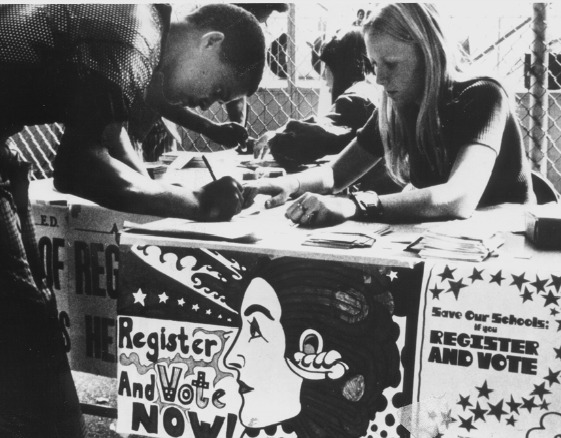 league of women voters registering voters