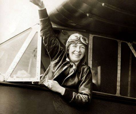 """Today in Feminist History: Elinor Smith, The """"Flying Flapper of Freeport"""" (April 24, 1929)"""