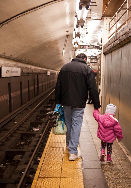 dad-mom-pandemic-mental-labor