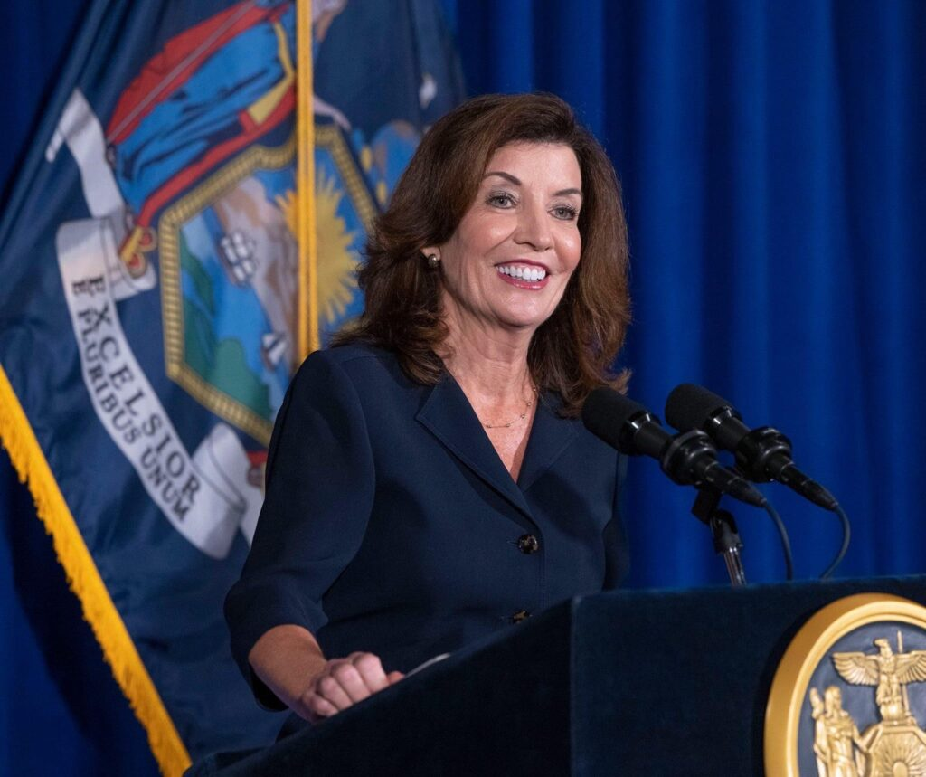 kathy-hochul-new-york-first-woman-governor