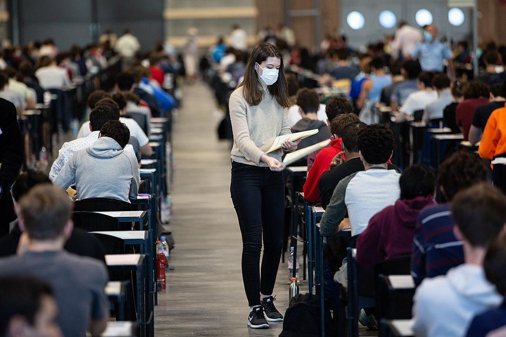 trauma-covid-19-coronavirus-college-reopens-in-person-university